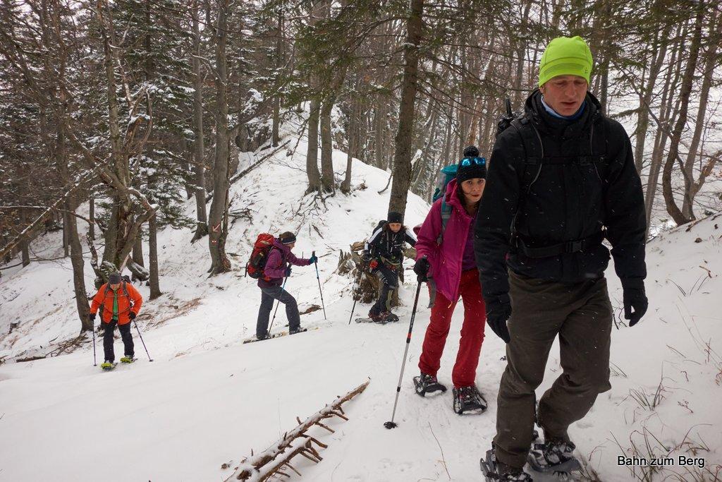 Öffi-Tour: Göllerüberschreitung mit Schneeschuhen