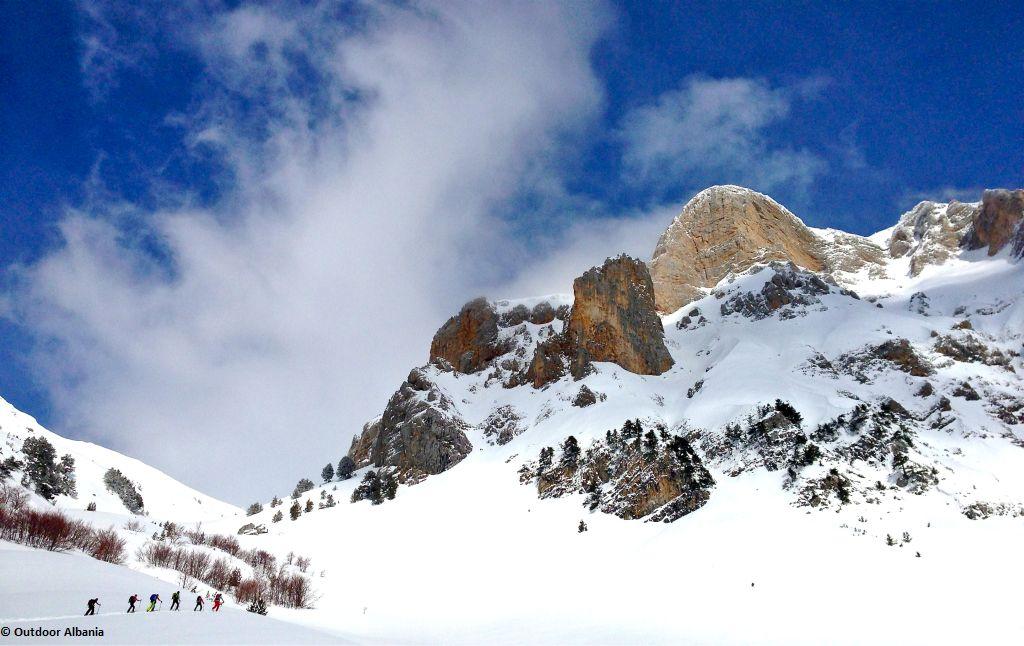 Schneeschuhwandern aktiv in Albanien
