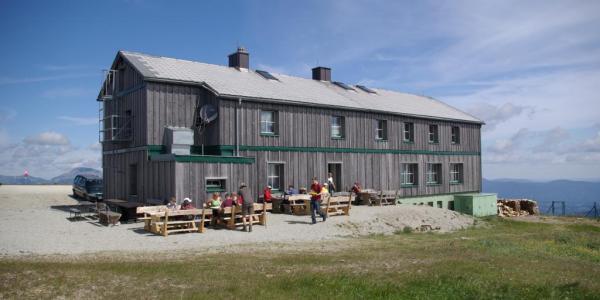 Geöffnete Edelweiss-Hütten im Herbst