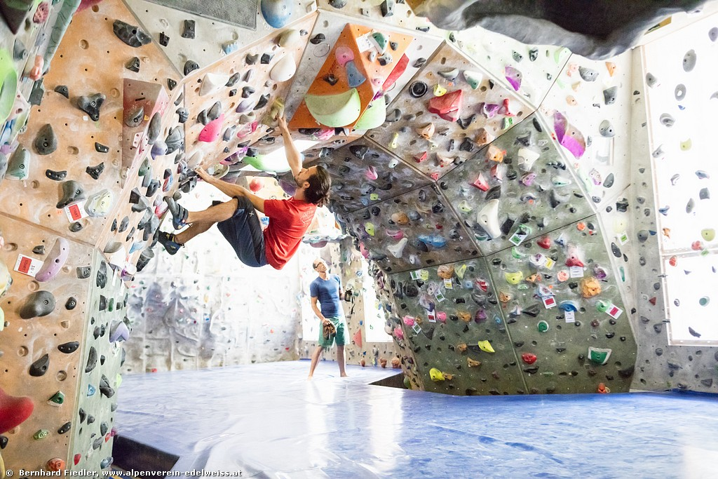 Boulderkurse im Edelweiss-Center