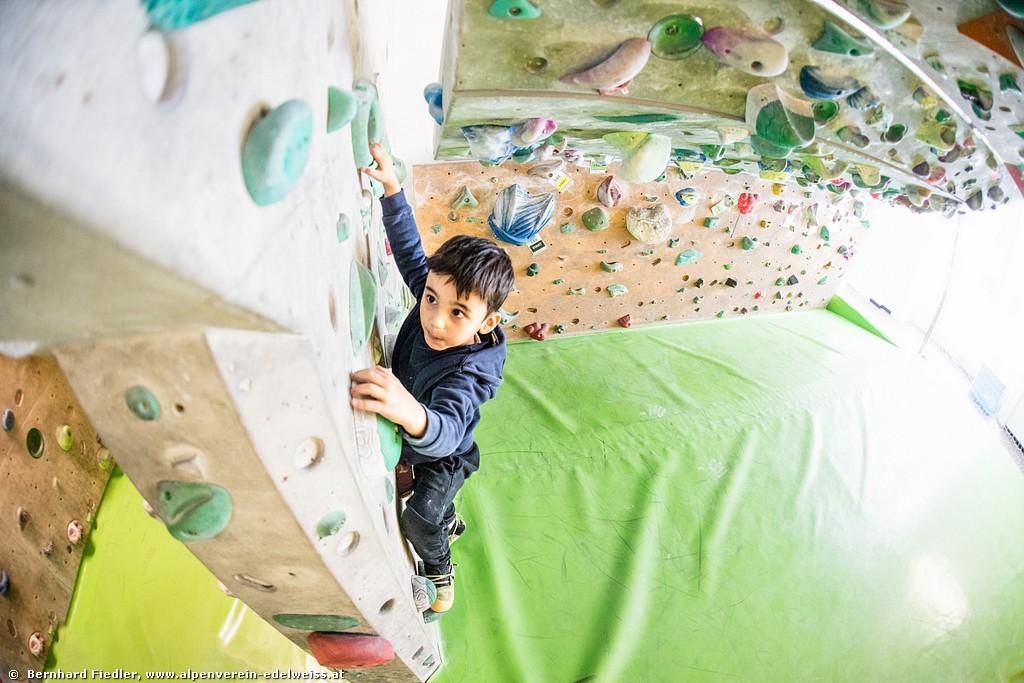 Ihr Kinderlein klettert,<BR>o klettert doch all.